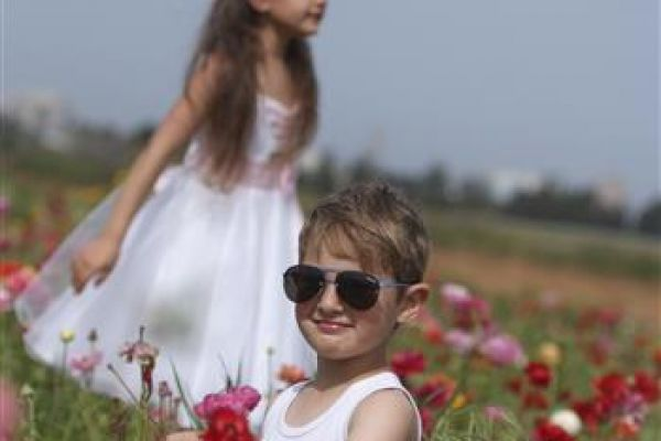 childrenphoto04BFAB9940-5093-E28A-DB31-31D1B7007566.jpg