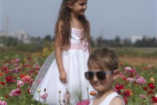 childrenphoto10B9C6A7DF-A33D-340E-7016-6857B6062127.jpg